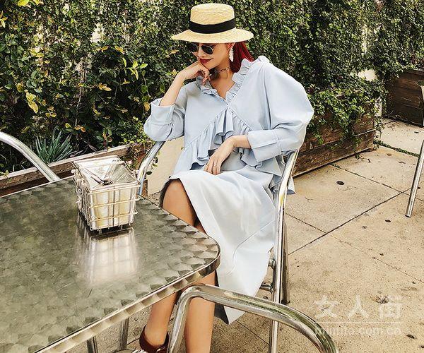 复古时尚连衣裙,谱写你的早春穿搭日志